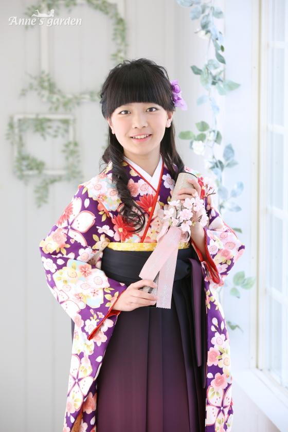東京近郊にあるアンズガーデン新東京店で、小学校卒業袴の撮影をされたお客様