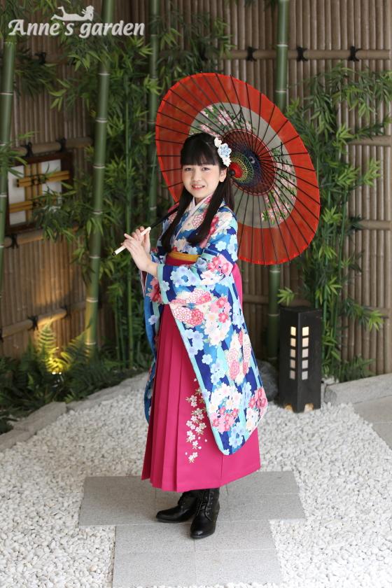 アンズガーデ松戸店の小学生卒業袴のフォトプランの撮影です。
