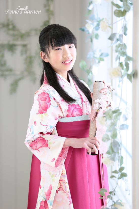 東京近郊にあるアンズガーデン新東京店で、小学校卒袴の撮影をされたお客様
