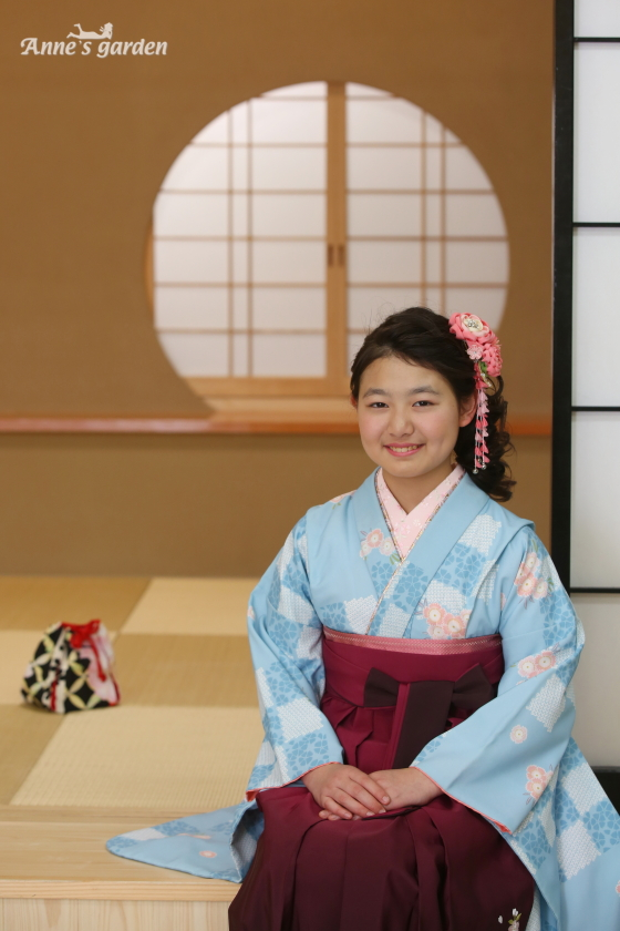 アンズガーデ松戸店の小学生卒業袴のレンタルプランの前撮りです。